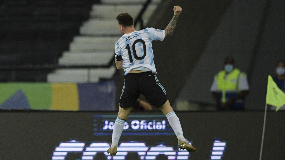 El festejo a lo Diego Maradona de Lio Messi.