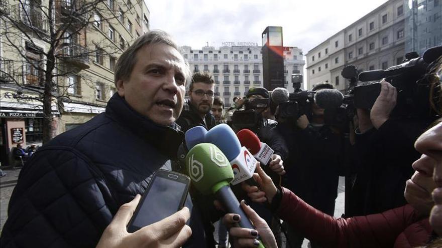 """Carmona, """"satisfecho"""" por el apoyo de los militantes a Gabilondo"""