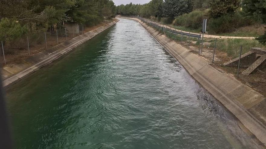 El PP presentará en unos días un documento sobre agua acordado con sus barones territoriales que incluye trasvases