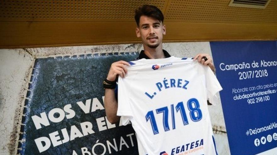 Luis Pérez en su presentación como jugador del Tenerife