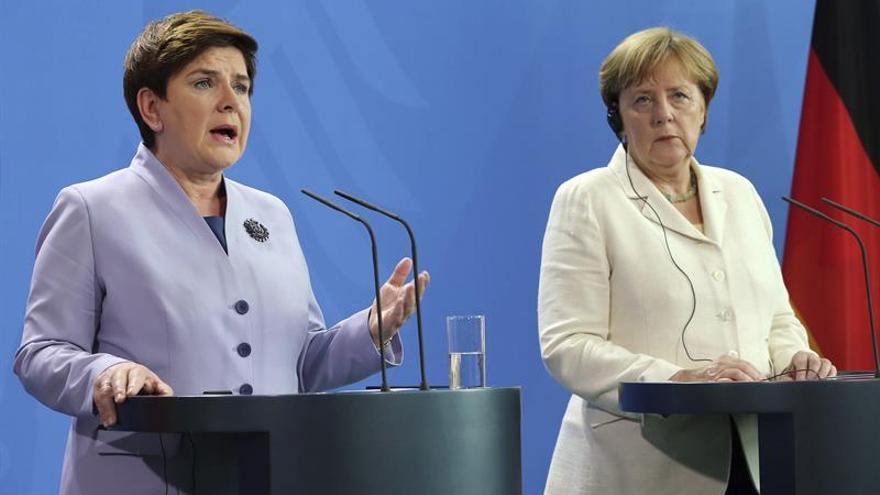 Merkel insiste en reforzar el flanco este de la OTAN pese a las críticas de Moscú