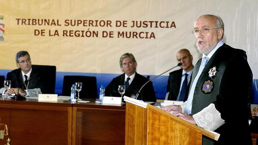 Exfiscal de Murcia: No se puede perseguir a fiscales más que a los corruptos