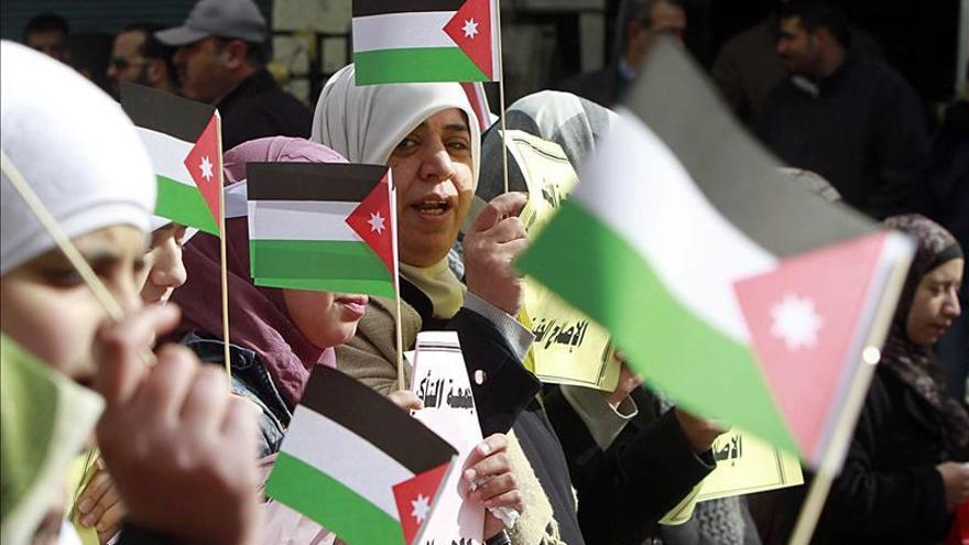 Un líder islamista jordano exige la reforma del régimen en una masiva manifestación