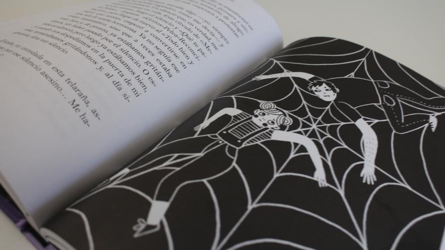 Una página del libro 'Si es amor no duele'