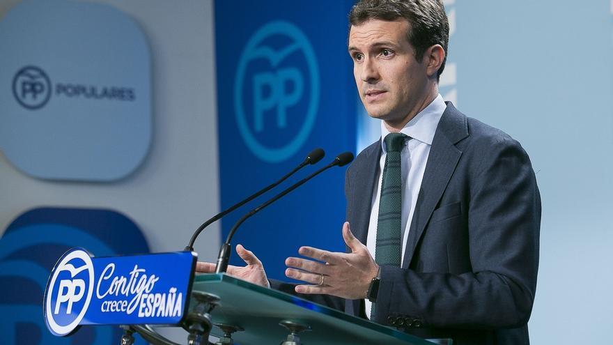 """Cargos del PP denuncian un """"encarnizamiento"""" contra Casado por su máster y ven """"doble vara de medir"""""""