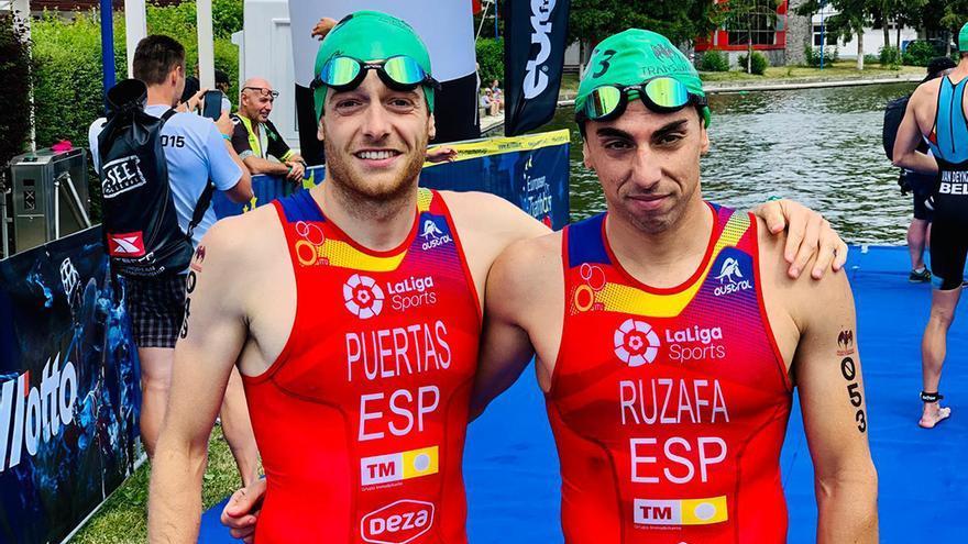 Camilo Puertas junto a Rubén Ruzafa en el Europeo de Multideporte de Rumanía.