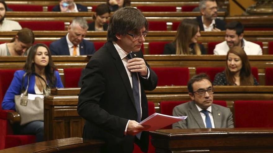 """Puigdemont pide a la CUP que """"no se avergüence"""" de coincidir con JxSí"""