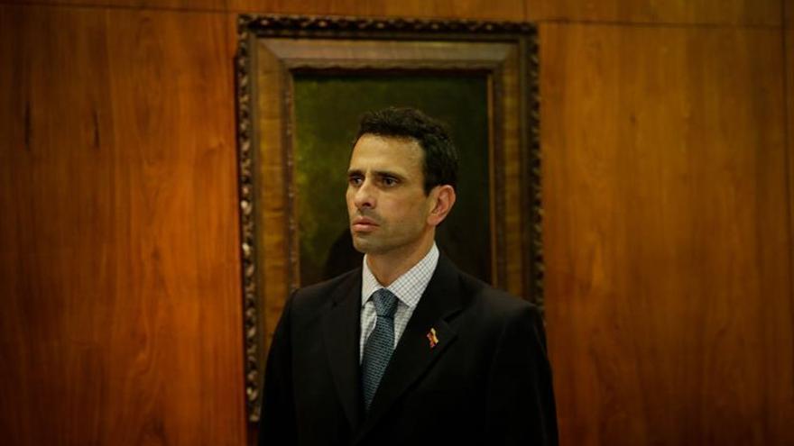 Solicitan a la Fiscalía venezolana investigar al opositor Henrique Capriles