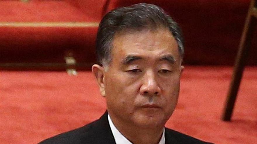 China comienza los relevos en su Gobierno con un nuevo presidente del Consultivo