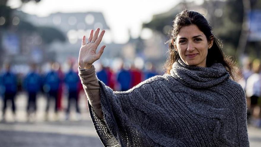 La absolución de la alcaldesa de Roma alivia al Movimiento Cinco Estrellas