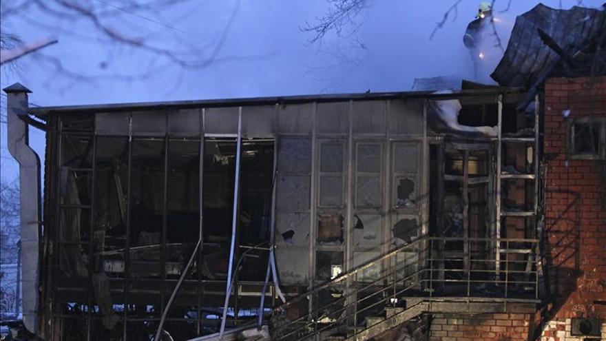 Nueve muertos en un incendio de un edificio en construcción en Moscú