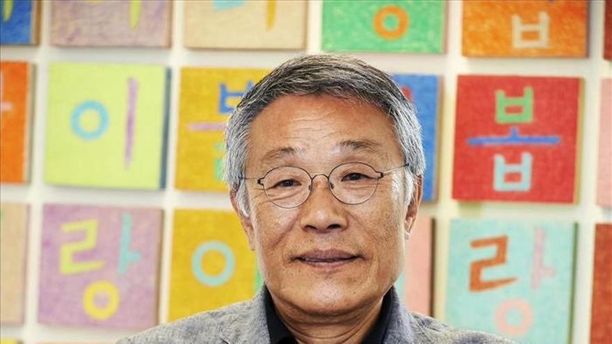 El escritor Hwang Sok-yong cree que las dos Coreas se reunificarán en 10 años