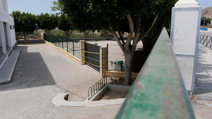 Ingresa en la UCI un menor de 3 años al que le cayó un portón encima