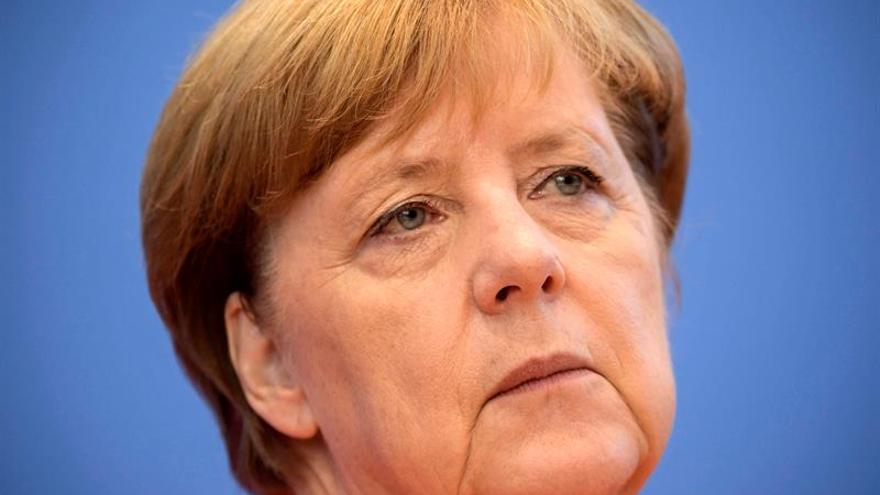 """Merkel llama a Venezuela permitir salida de Tintori y condena """"arbitrariedad"""""""