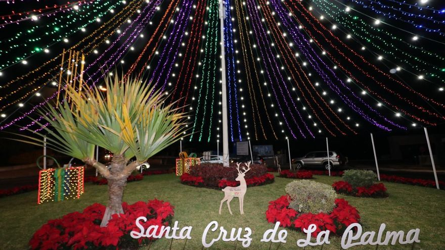 Santa Cruz de La Palma ha 'encendido' este jueves la Navidad.