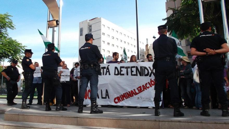 Manifestación en Granada el pasado 6 de junio de 2014 por la detención de los acusados de ultraje a la bandera./Foto: JC