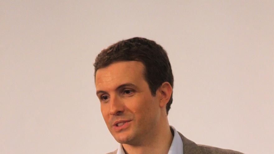 Casado arropa a López Miras y a Ballesta en la presentación oficial de sus candidaturas