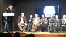 Colau, amb els presos polítics de la dictadura a la presó Model