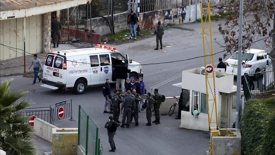 Un palestino muerto tras apuñalar y herir a dos israelíes en Hebrón