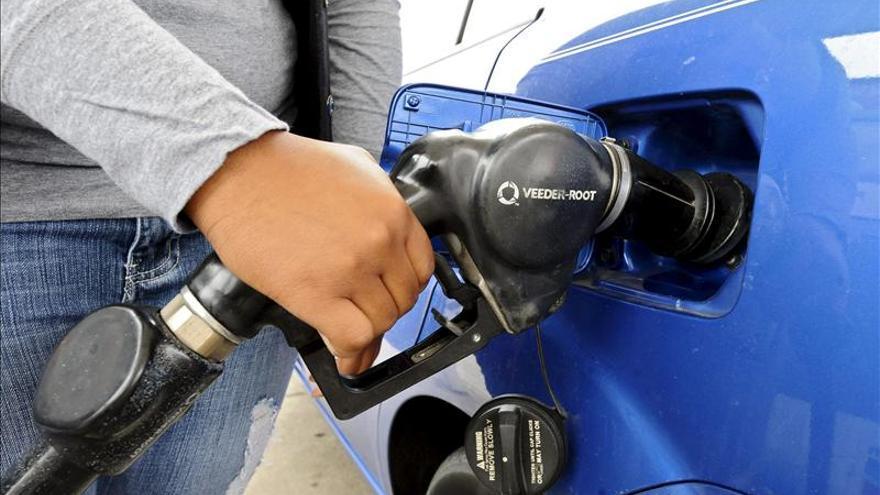 El petróleo tejano, en caída libre, camino de llegar a 85 dólares por barril