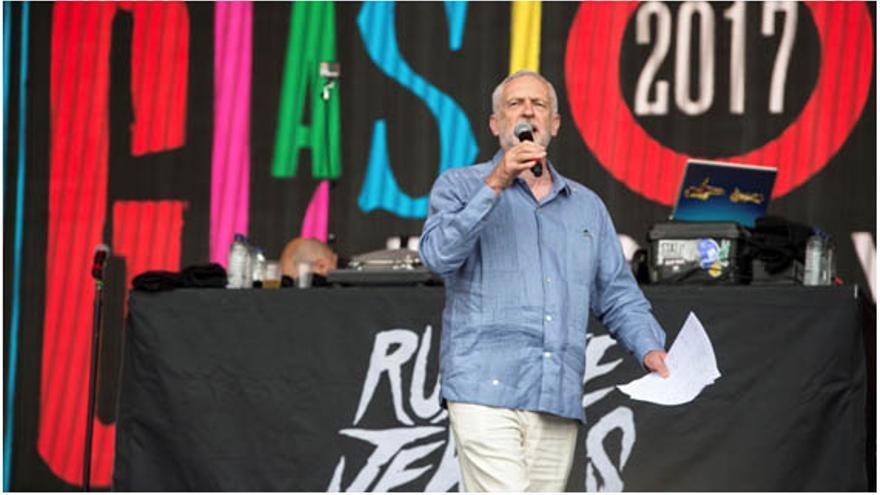 Jeremy Corbyn, invitado al festival juvenil de música Glastonbury, junio 2017