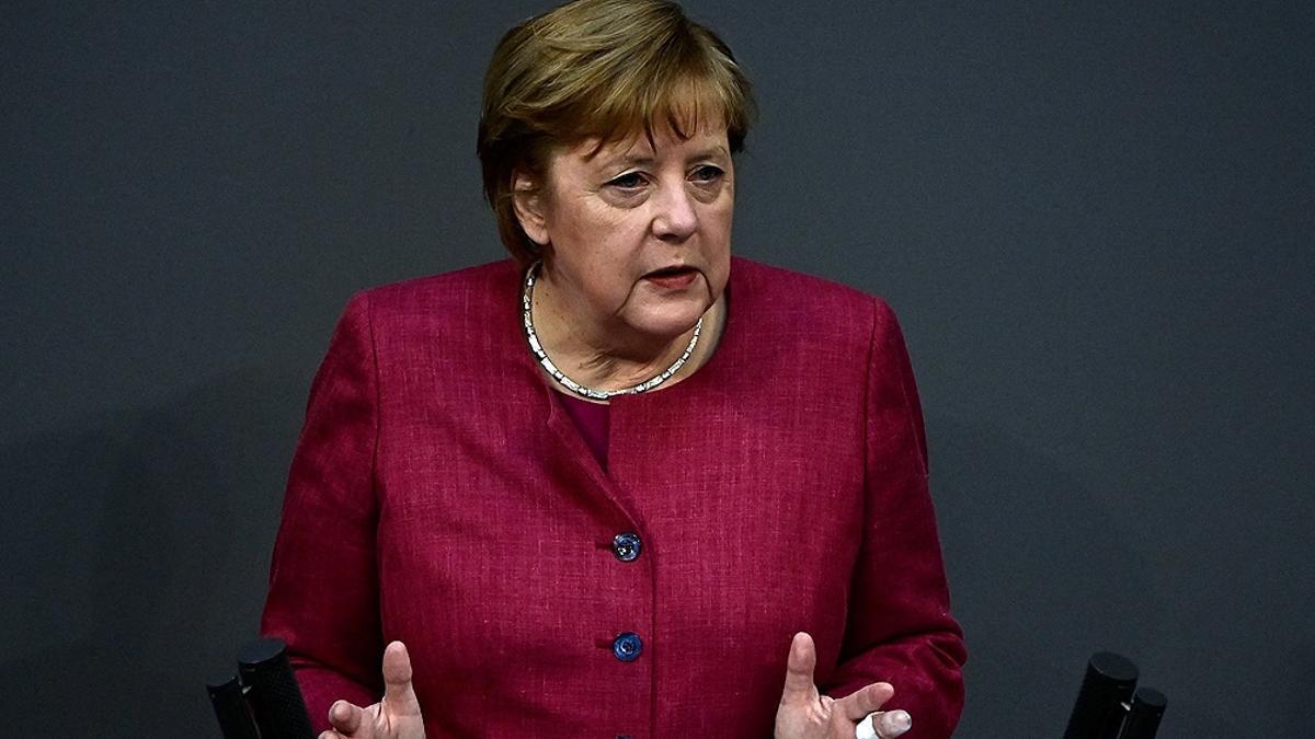 La canciller Angela Merkel defendió el toque de queda impuesto en Alemania.