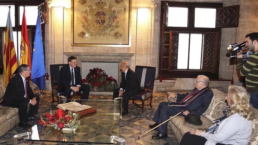 El president de la Generalitat ha recibido en el Palau a los representantes de la Unión Democrática de Pensionistas