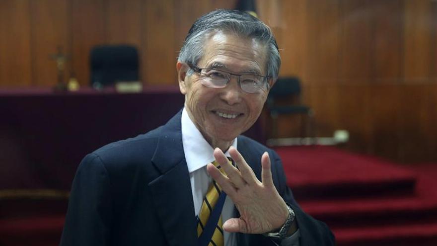 El expresidente Fujimori permanecerá en la clínica al menos hasta el domingo