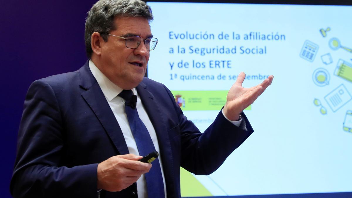 El ministro de Inclusión, Seguridad Social y Migraciones, José Luis Escrivá, en una fotografía de archivo. EFE/Fernando Alvarado