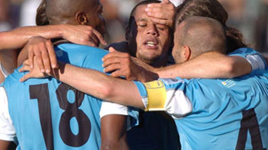 Uruguay se clasificó en la repesca tras superar a Costa Rica.