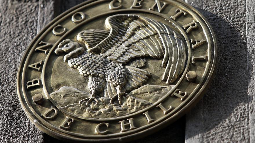El Banco Central chileno aplica una histórica alza de la tasa de interés hasta el 2,75 %