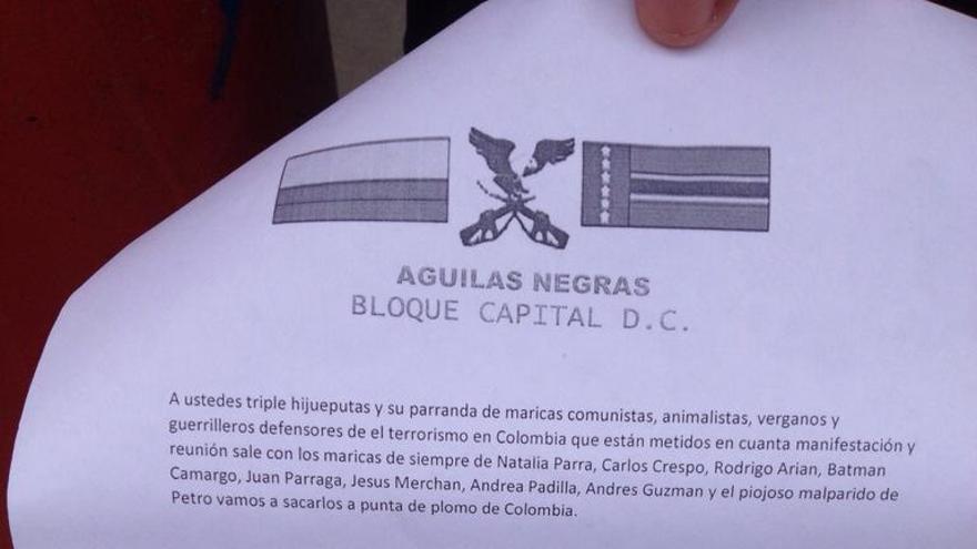 Panfleto amenazante enviado por los paramilitares colombianos de 'Águilas Negras Bloque D.C.' a los animalistas