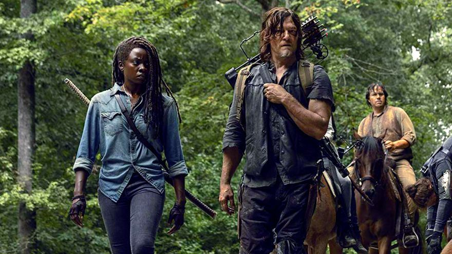 Danai Gurira y Norman Reedus en 'The Walking Dead'