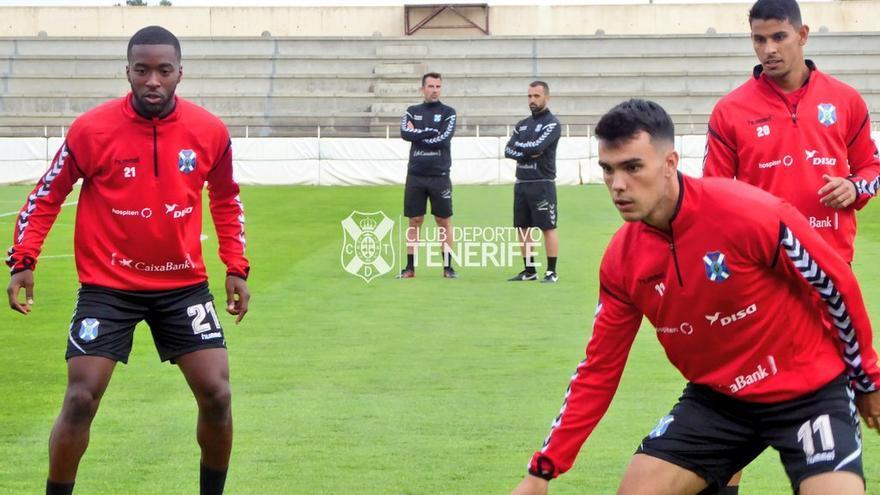 Entrenamiento previo al partido del Tenerife en el Carlos Belmonte