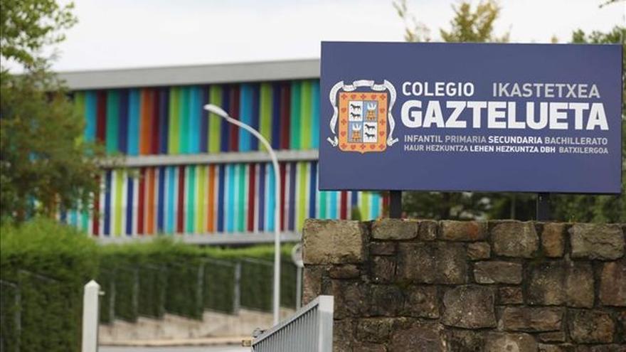 Entrada del colegio Gaztelueta