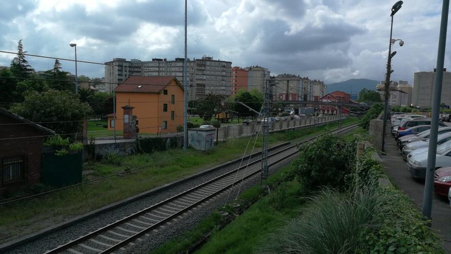 Adif finaliza las obras de renovación de vía entre Torrelavega y Santander