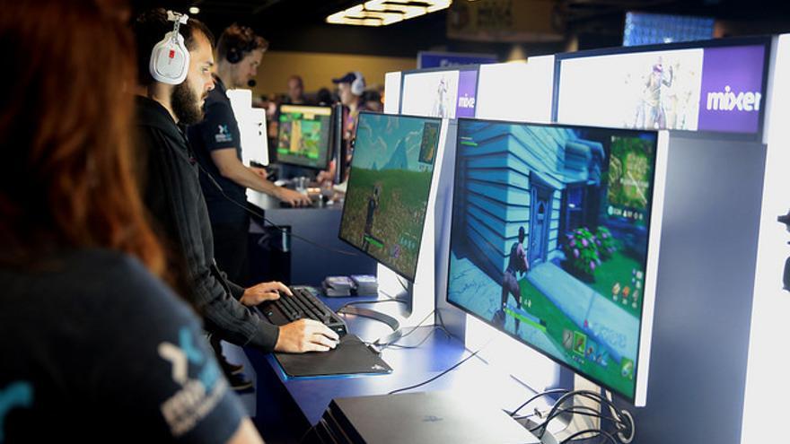 Varios jugadores jugando a Fortnite