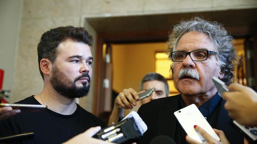 PdeCat y ERC dicen que la propuesta de Sánchez llega tarde y seguirán con el proceso