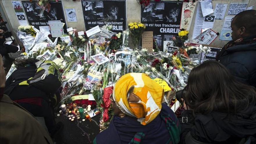 """El Estado Islámico califica de """"héroes"""" a los autores del atentado en Francia"""