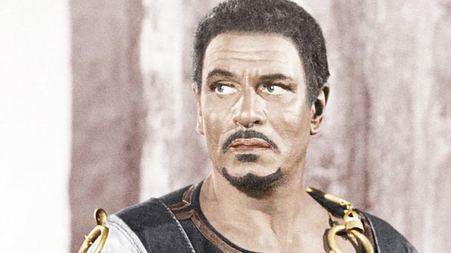 Laurence Olivier teñido como 'Otello' en la versión cinematográfica de 1965