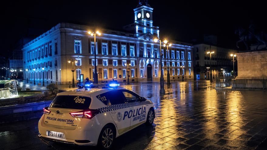 Madrid estudia ampliar el toque de queda hasta las 7 de la mañana