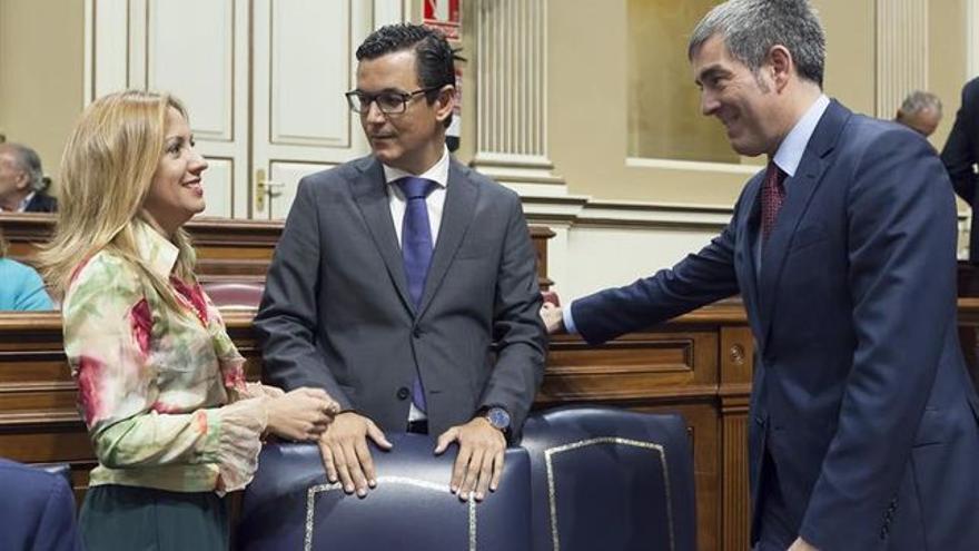 Fernando Clavijo, en el pleno que aprobó esta ley territorial, el 21 de junio pasado