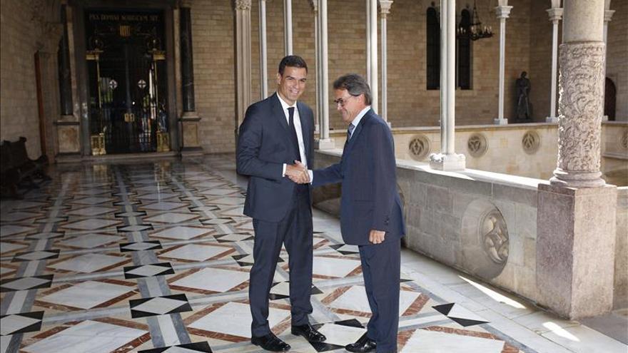 """Sánchez plantea a Mas una salida con """"primero el acuerdo, luego la votación"""""""