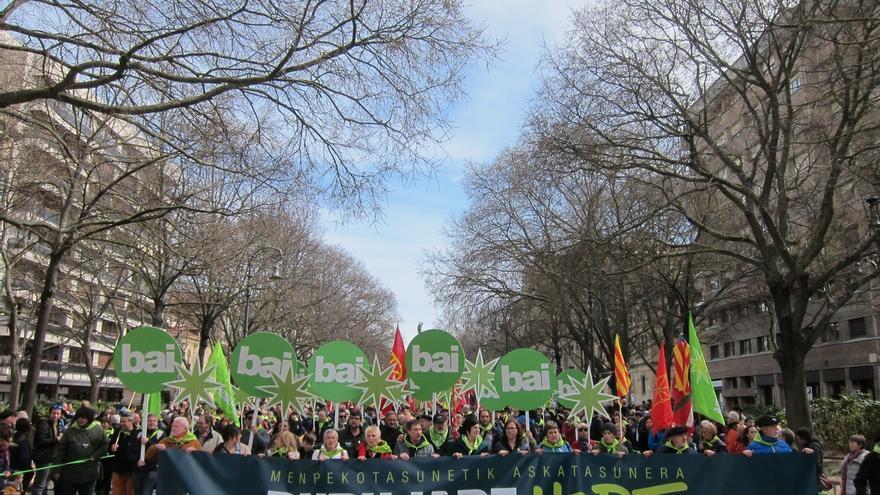 """Miles de personas celebran en Pamplona el Aberri Eguna reclamando """"un proceso soberanista"""""""