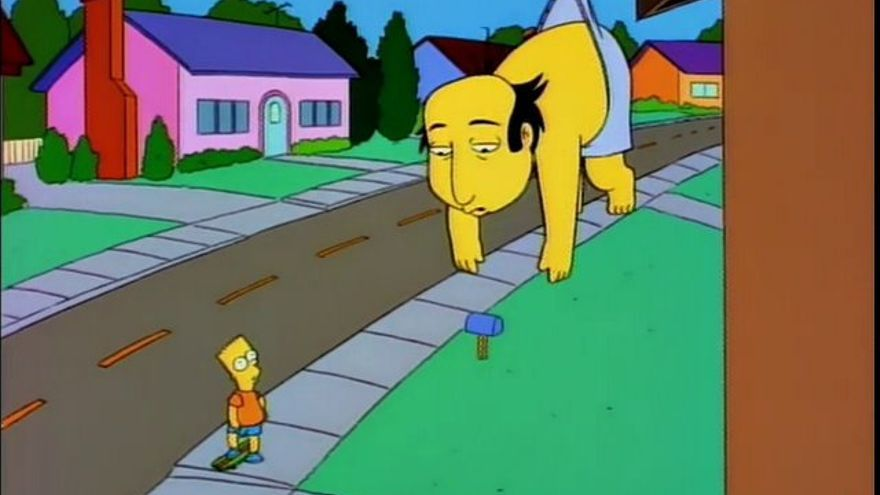 El personaje del crítico Jay Sherman de Los Simpson, cuelga de un tejado tras meterse con McGyver