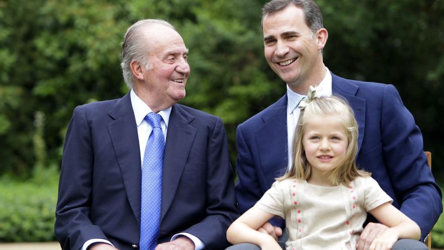 El rey Juan Carlos, el príncipe Felipe y la infanta Leonor. / Casa del Rey