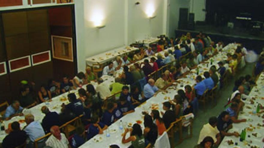 Salón social de Senés de Alcubierre, de 41 habitantes