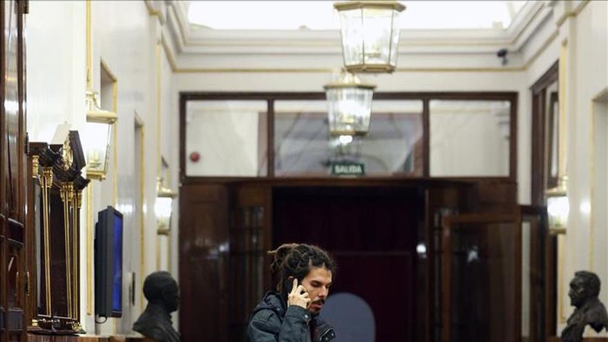 """El diputado con 'rastas' culpa de la polémica al """"circo político-mediático"""""""