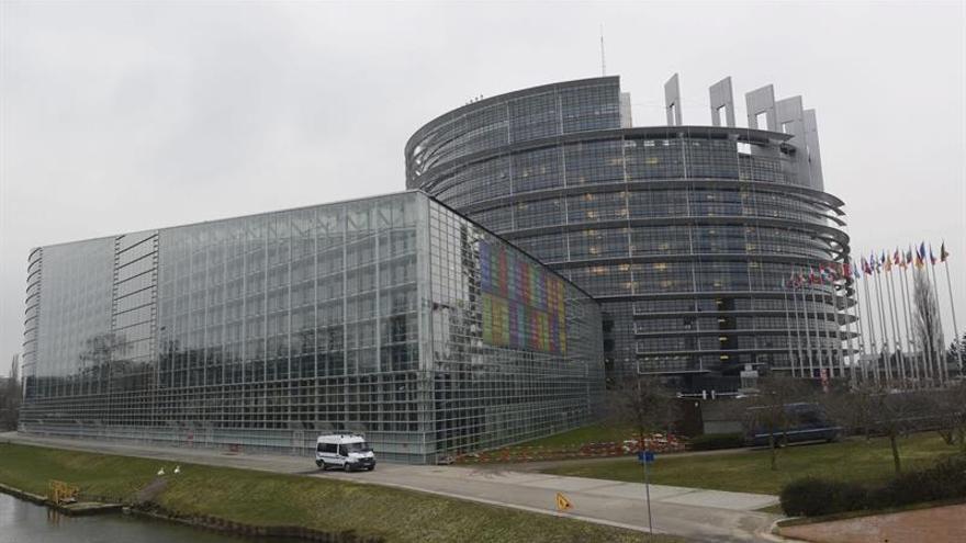 La Eurocámara no endurece la obligación de transparencia para multinacionales