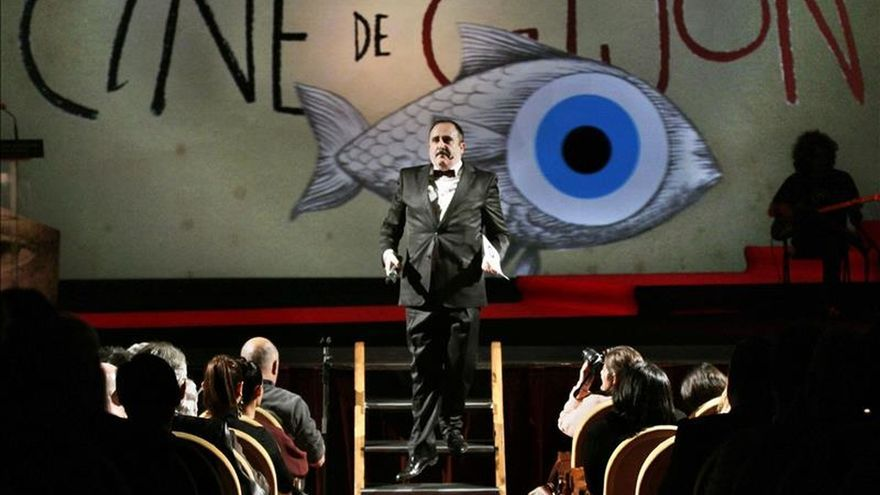 Festival de cine de Gijón homenajea a las víctimas de los atentados de París